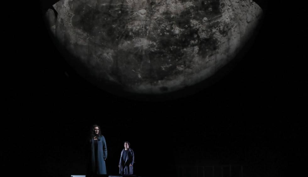 """La cantante Iréne Theorin y Stefan Vinke durante el ensayo general de la producción operística """"Tristan und Isolde."""