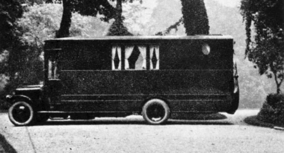 Imágenes de la autocaravana de Raymond Roussel.