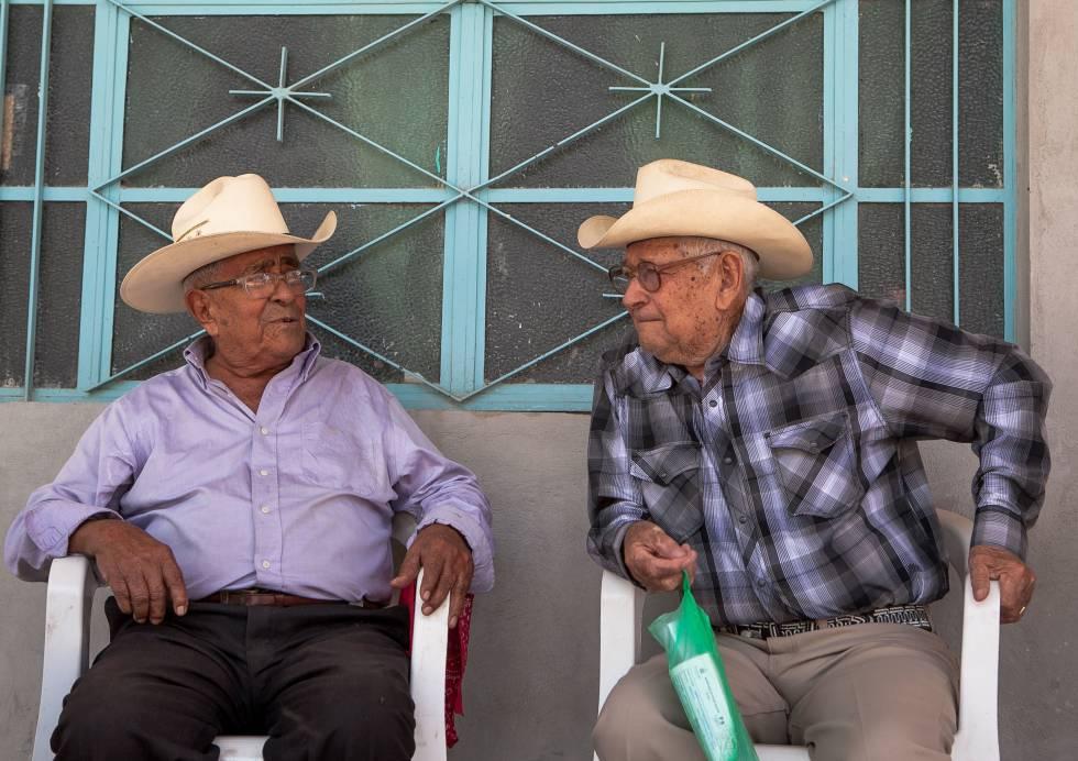 Dos vecinos de Tuxcacuesco