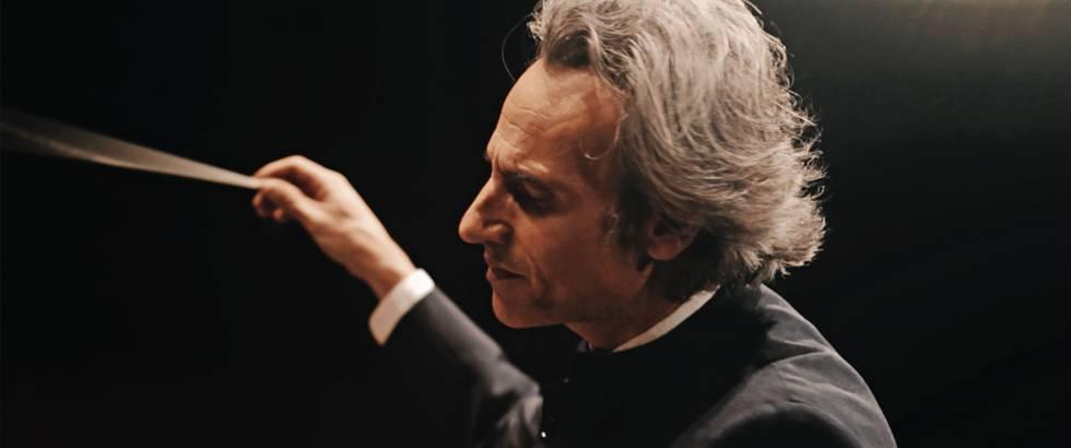 Pedro Halffter Caro dirigiendo