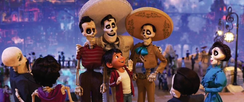 Miguel, el protagonista de 'Coco', visita el mundo de los muertos.