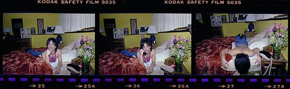 Prince, hablando por teléfono en 1985.