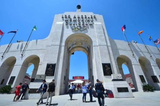 La puerta del estadio Los Angeles Memorial Coliseum.