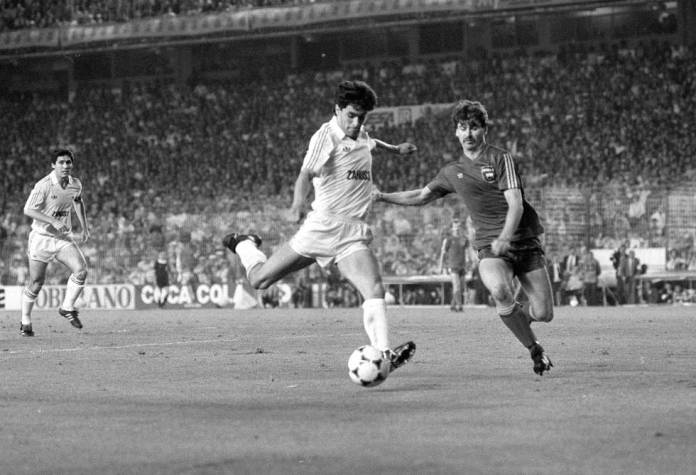 Michel, contra el Videoton en la final de la Copa de la Uefa de 1985.