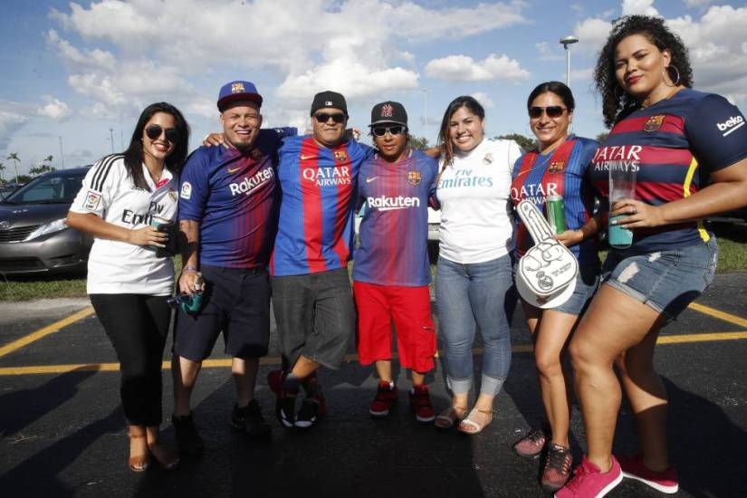 FC Barcelona and Real Madrid fans attend a match between the two teams held in Miami in 2017.