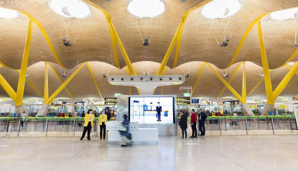 Control de seguridad en la T4 del aeropuerto Madrid-Barajas.