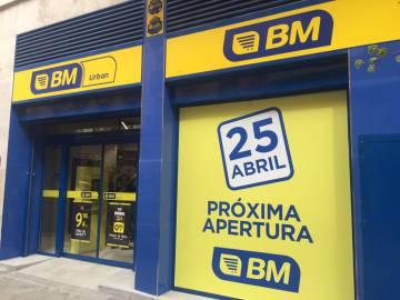 Fachada de la nueva tienda de SM Supermercados en Cartagena.