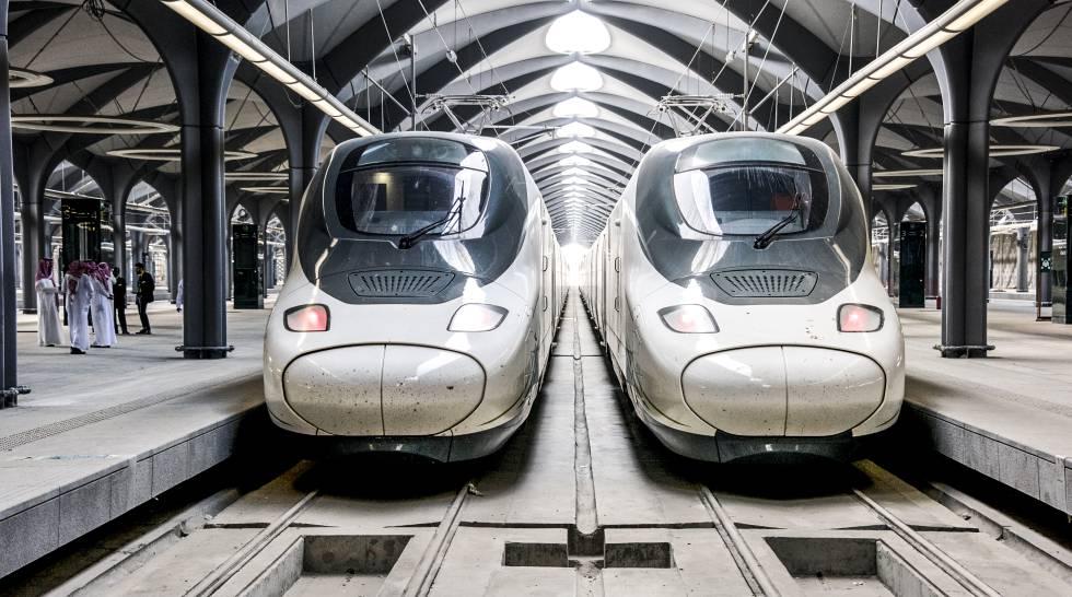 Dos trenes Ave 'Haramain'.