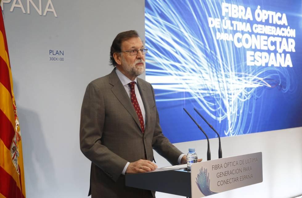 Rajoy presenta el plan 300x100 en Teruel, en marzo de 2018.