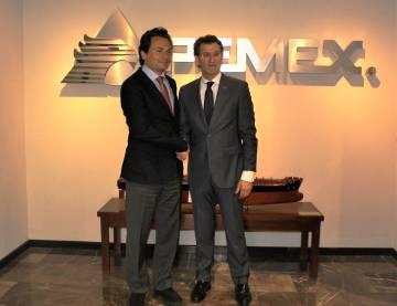Lozoya y Feijóo, tras una reunión en México en 2014, en una imagen difundida por la Xunta.