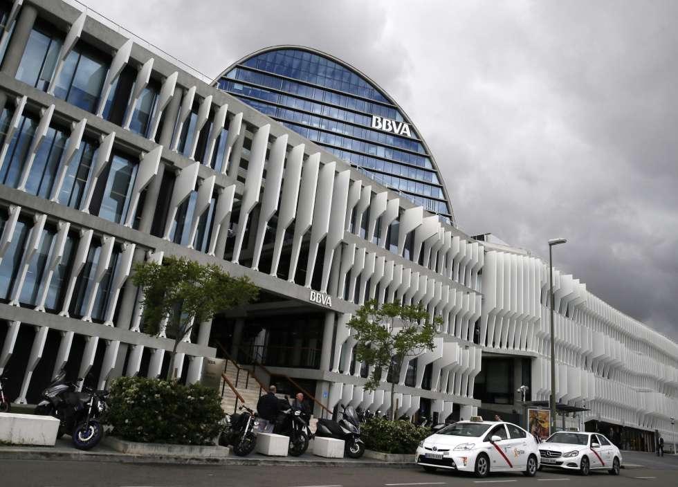 Fachada de la sede corporativa del BBVA, en Madrid. EFEMARISCAL