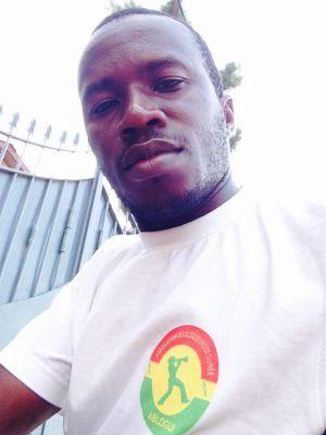El presidente de la asociación de blogueros de Guinea Conakry, Fodé Sanikayi Kouyaté.