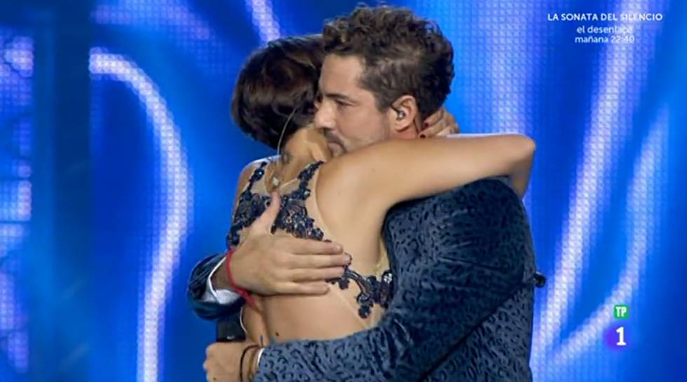 Image result for bisbal chenoa gif