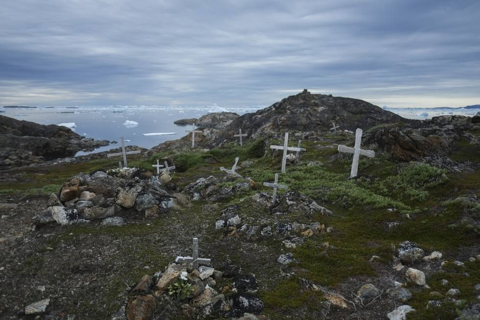 Cementerio del poblado inuit de Nagtivit (Groenlandia).
