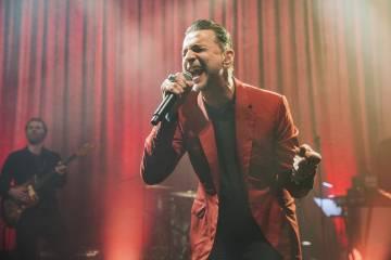 El vocalista de Depeche Mode sufrió una sobredosis en 1996 que le dejó clínicamente muerto durante dos minutos. Al relatar su experiencia declaró que sintió como si su alma hubiese abandonado el cuerpo.