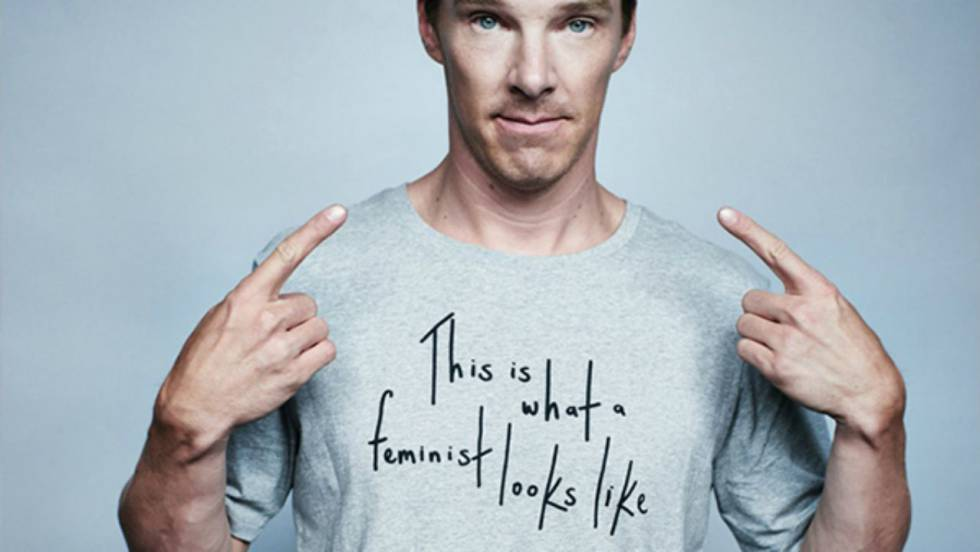 Benedict Cumberbatch posó así con una camiseta de 'Elle' para apoyar a un colectivo feminista.