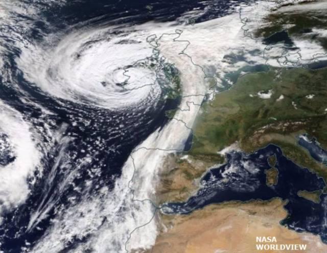 La tormenta Ophelia arrastró arena del Sáhara y cenizas de los fuegos forestales de la Península Ibérica hasta Reino Unido.