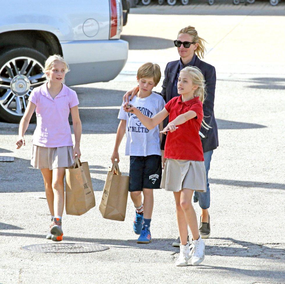Image result for julia roberts con sus hijos