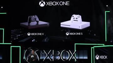 Phil Spencer presenta la Xbox One X.