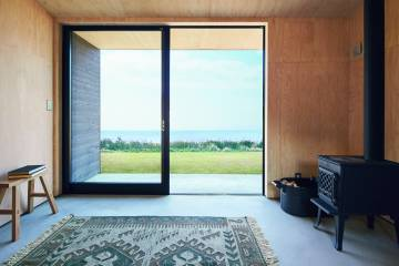 The cabin has nine square meters.