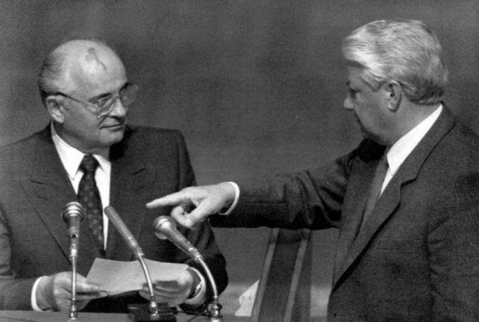 Resultado de imagen para Fotos del intento de golpe de estado contra Mijaíl Gorbachov