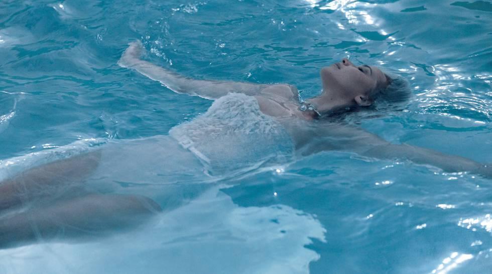 Jennifer Lawrence para Joy, de Dior.