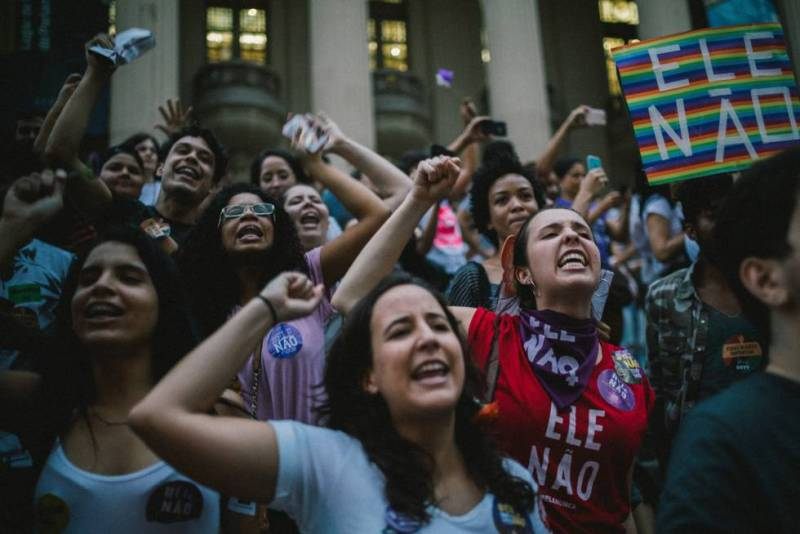 #EleNao (ElNo) fue el lema que movilizó miles de mujeres en todo Brasil. Parece no haber alcanzado.