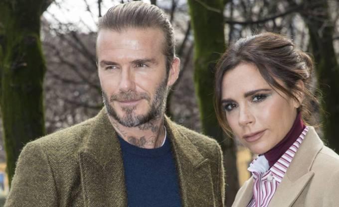 El exfutbolista David Beckham y la diseñadora Victoria Beckham en París (Francia), en enero de este año.