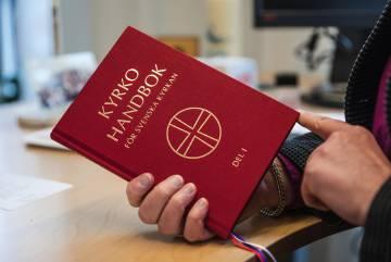 O livro litúrgico que utiliza durante os serviços.