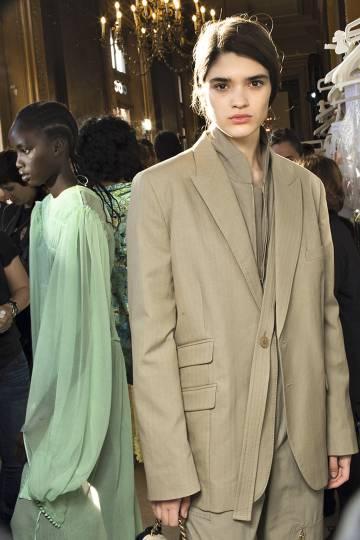 Stella McCartney es pionera en la moda sostenible. En la imagen, un diseño de su colección para esta primavera.