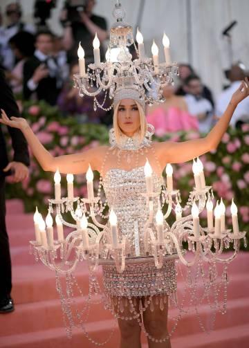 Katy Perry, la mujer candelabro.