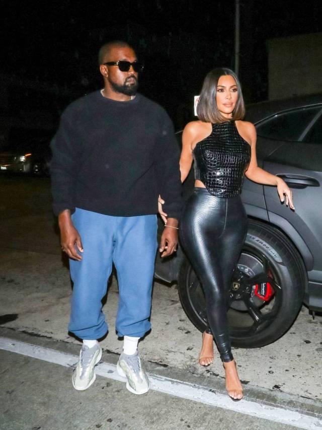 Kanye West y Kim Kardashian tienen, a su modo, algo que ver con el mundo del porno: él actuó en los premios Pornhub de 2018 y ella demostró que la filtración de una cinta sexual privada no tiene por qué ser el fin de una carrera en el mundo de los negocios, sino que puede ser el principio.