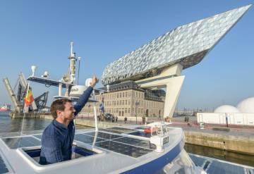 Victorien Erussard llegando a Amberes (Bélgica) durante su 'Odisea del futuro'.