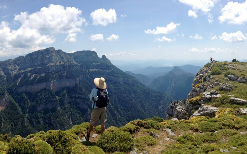 Una de las caminatas meditativas que ofrece Casa Cuadrau en el parque nacional de Ordesa y Monte Perdido, en Huesca.