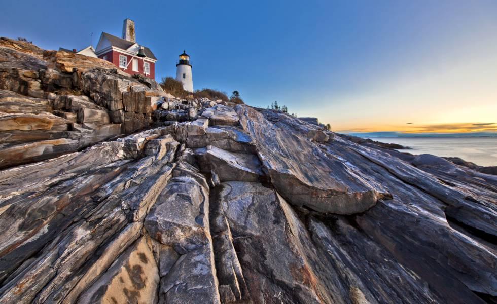 Faro de Permaquid Point, en la costa central de Maine.