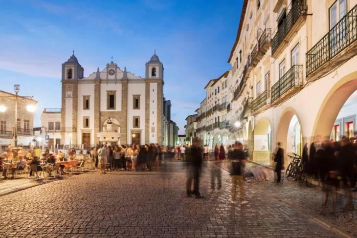 Évora, parada monumental en el Alentejo | El Viajero | EL PAÍS