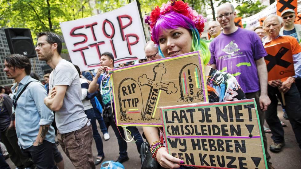 Manifestación contra el TTIP, el pasado 28 de mayo en Ámsterdam.