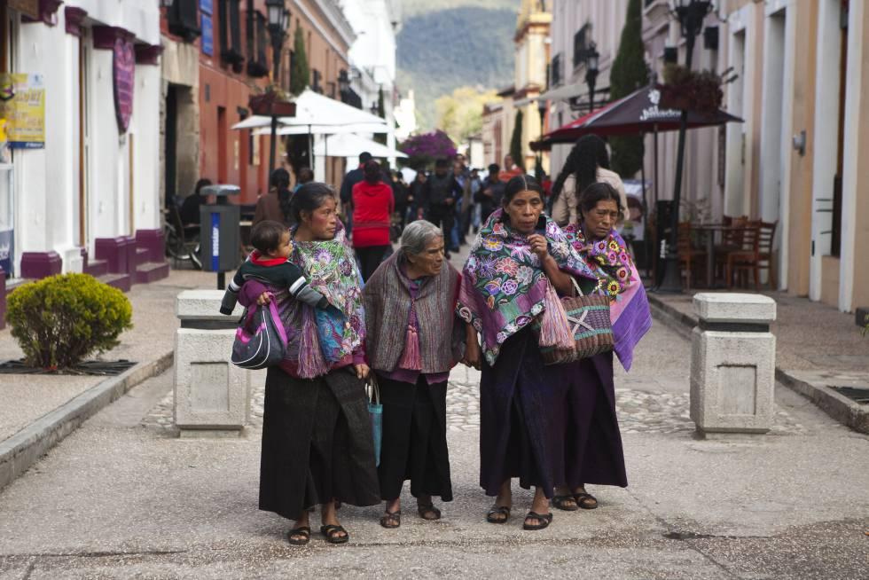 Una familia indígena en San Cristóbal, Chiapas.