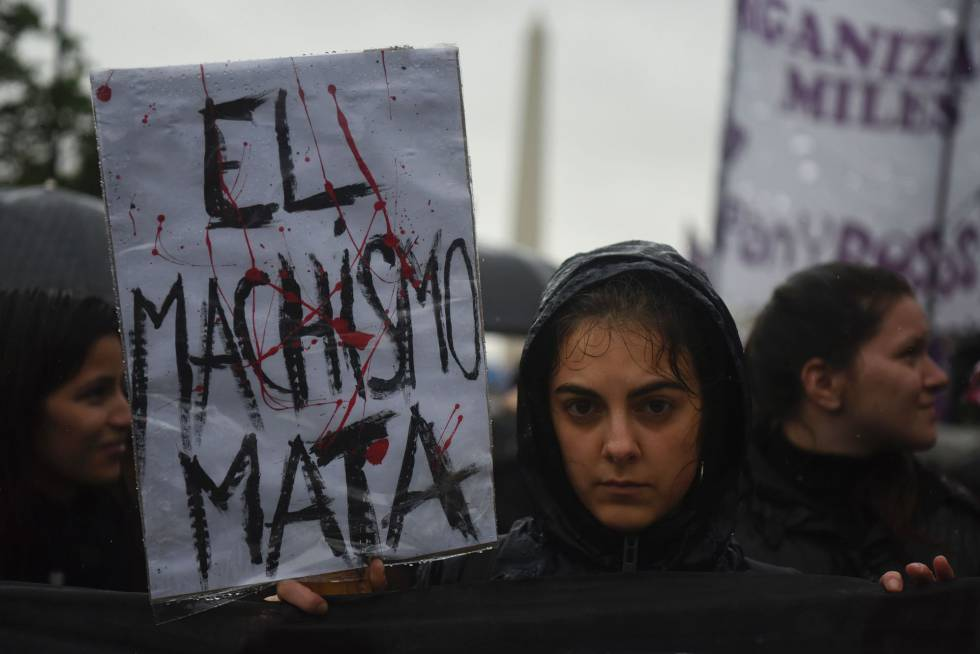Risultati immagini per Otra violación colectiva en Argentina en medio del 'Ni una menos'