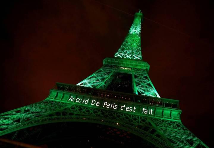 Celebración el viernes pasado en la torre Eiffel de la entrada en vigor del Acuerdo de París.
