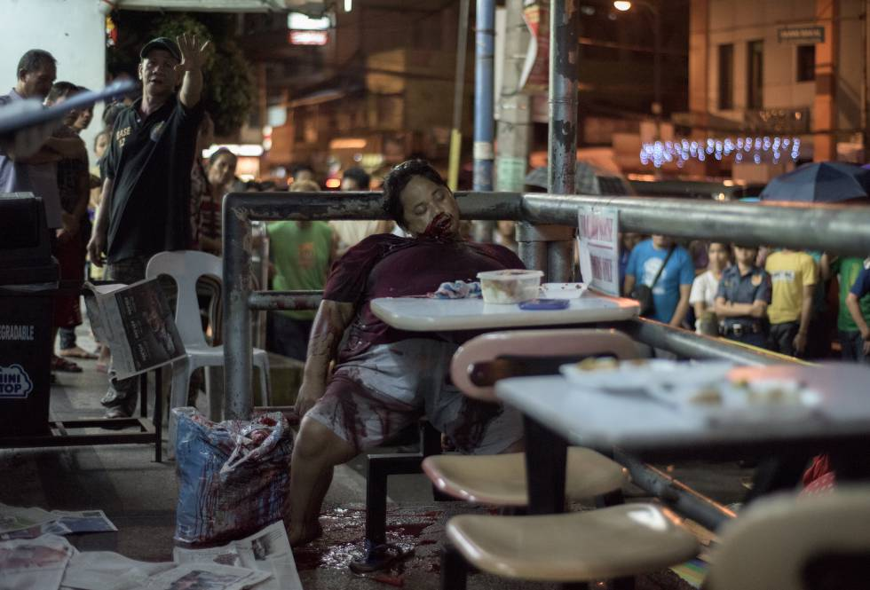 Liwayway Yabut, assassinada em 2016 aos 32 anos por dois mascarados em um restaurante de refeições rápidas de Manila.