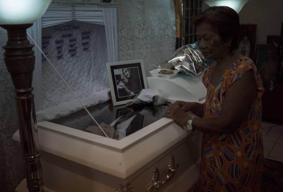 Velório de Jade Manuel Cazcarro, o motorista assassinado do triciclo.