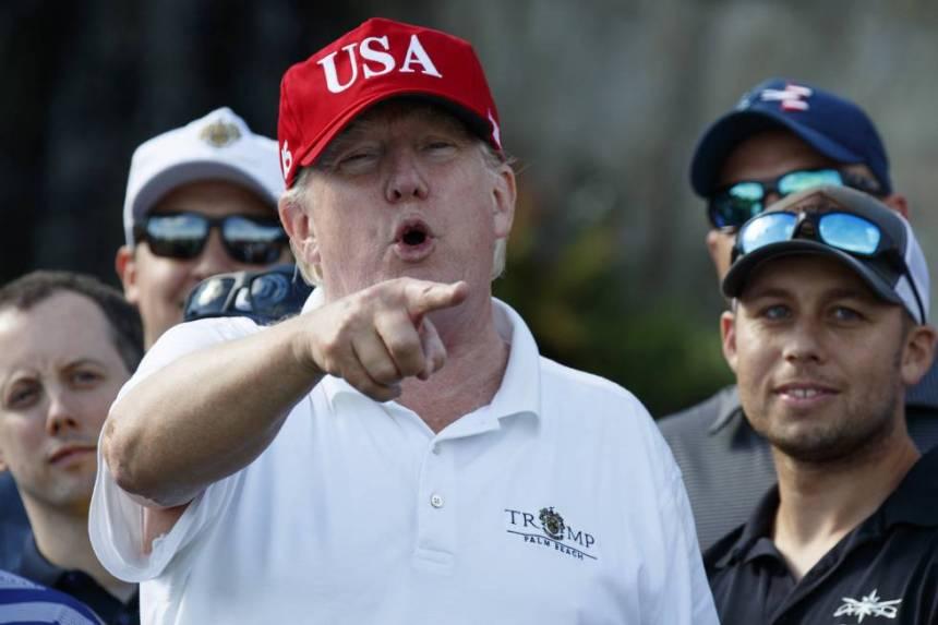 Trump, este viernes en su club de golf en West Palm Beach