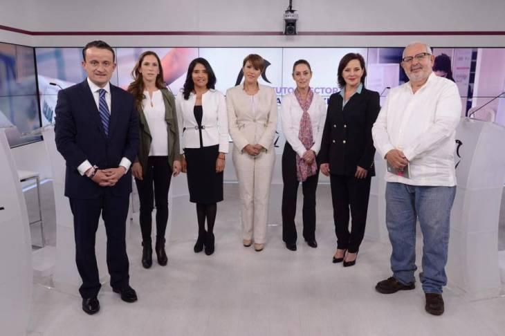 Los siete candidatos a la jefatura de Gobierno de la Ciudad de México en el primer debate.