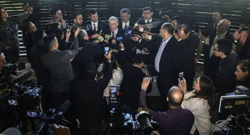 El expresidente Álvaro Uribe durante su última rueda de prensa en su finca de Antioquia, Colombia.