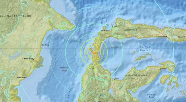 Varios muertos tras un terremoto de magnitud 7,5 y un tsunami en Indonesia