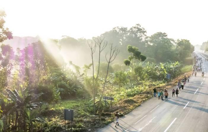 La caravana, a su llegada a la ciudad de Arriaga, Chiapas.