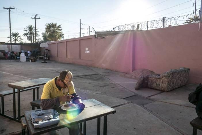 José Suazo, de 55 años, en uno de los albergues para los migrantes en Mexicali.