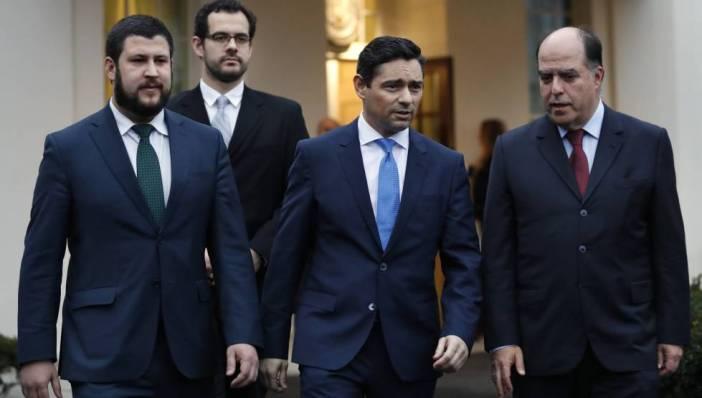 De derecha a izquierda, los opositores Julio Borges, Carlos Vecchio, encargado de negocios de Guaidó en EE UU, David Smolansky y Francisco Márquez.