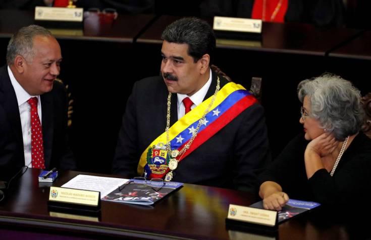 Diosdado Cabello (izquierda) y Nicolás Maduro, a finales de enero en la Asamblea Constituyente.